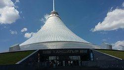 dimash arnau 6月27日 Visit the National Museum of Kazakhstan カザフスタン国立博物館を見学